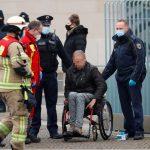 آلمان: اتومبیل به دروازه مقابل دفتر آنگلا مرکل برخورد می کند  آلمان