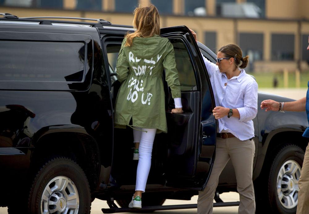جنجالی ترین لباس ها ملانیا ترامپ به عنوان بانوی اول است
