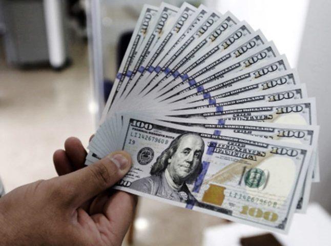 در عرض چند ساعت کاهش ارزش دلار به میزان 4 هزار تامان  اخبار فوری