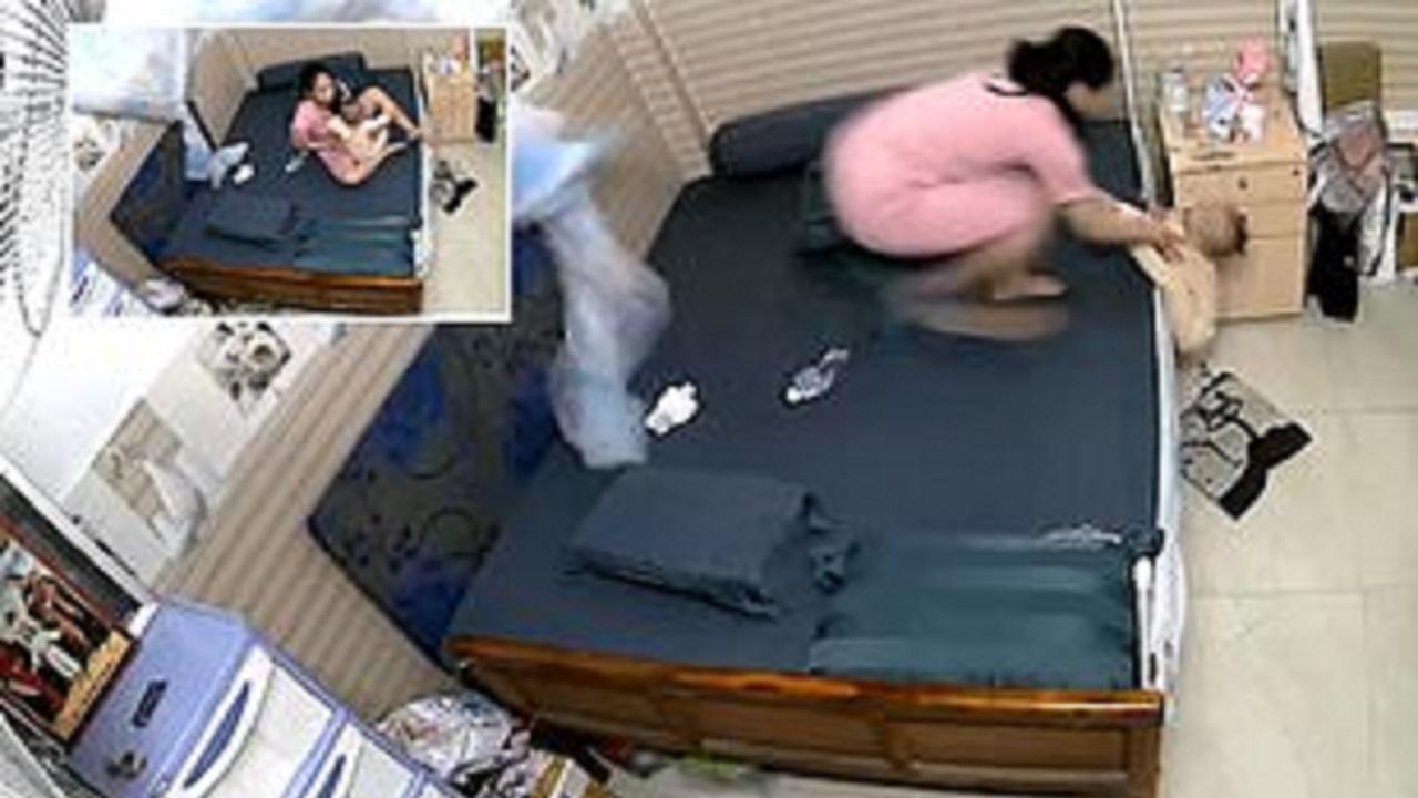 واکنش سریع مادر هنگام سقوط کودک از رختخواب / فیلم |  آخرین خبرها