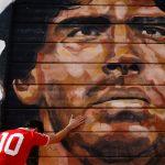آرژانتین هنگام رسیدن تابوت مارادونا به کاخ ریاست جمهوری عزاداری می کند  اخبار از آمریکای لاتین
